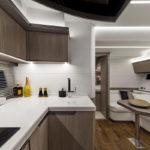Galeon 425 HTS cuisine et salon intérieur