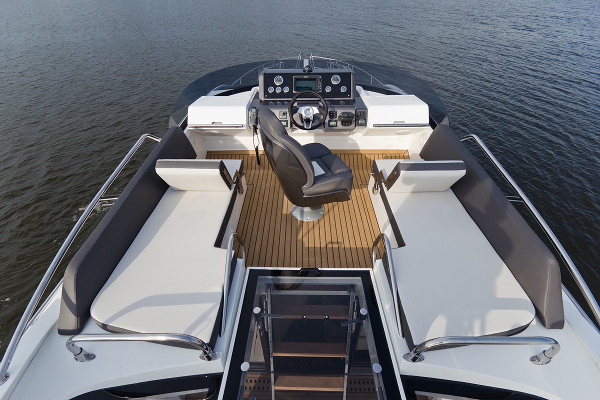 Galeon 430 SKYDECK fly