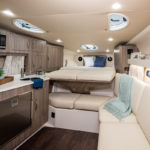 Regal 33 Express cabine