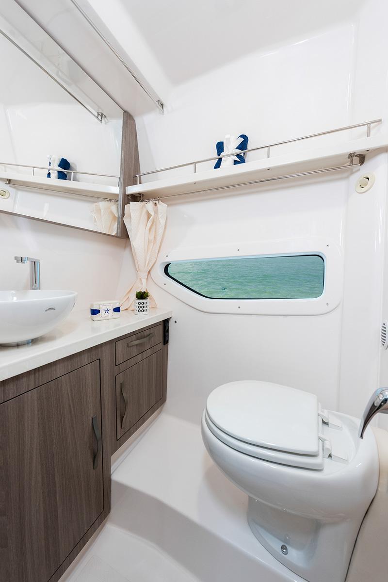 Regal 33 Express toilettes