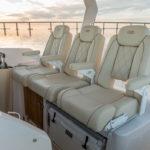 Regal 33 SAV sièges cockpit