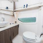 Regal 33 XO toilettes