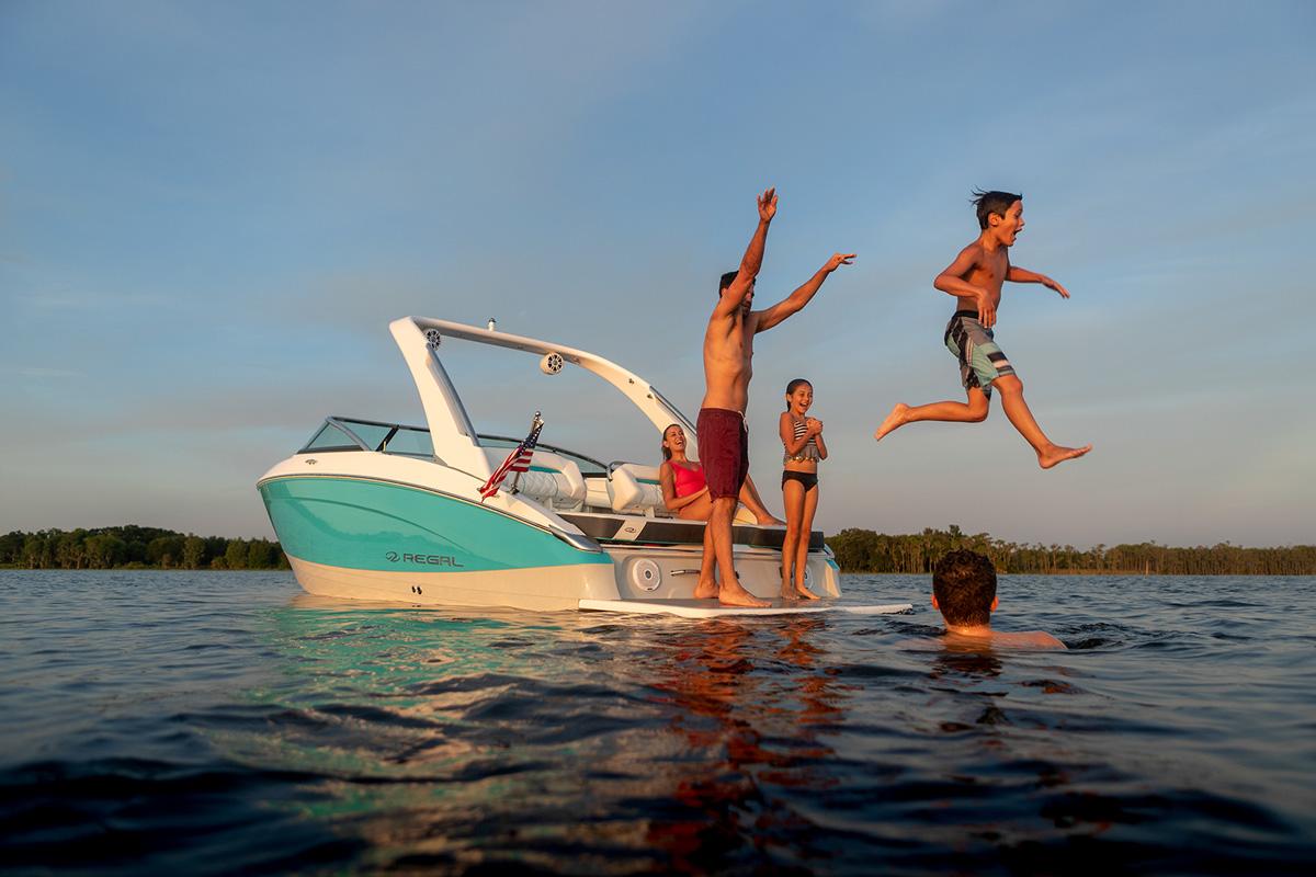 Regal LS4 SURF plateforme famille