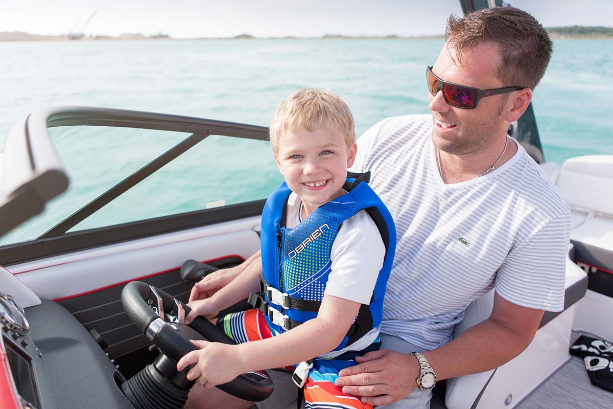 Regal 2300 RX SURF enfant