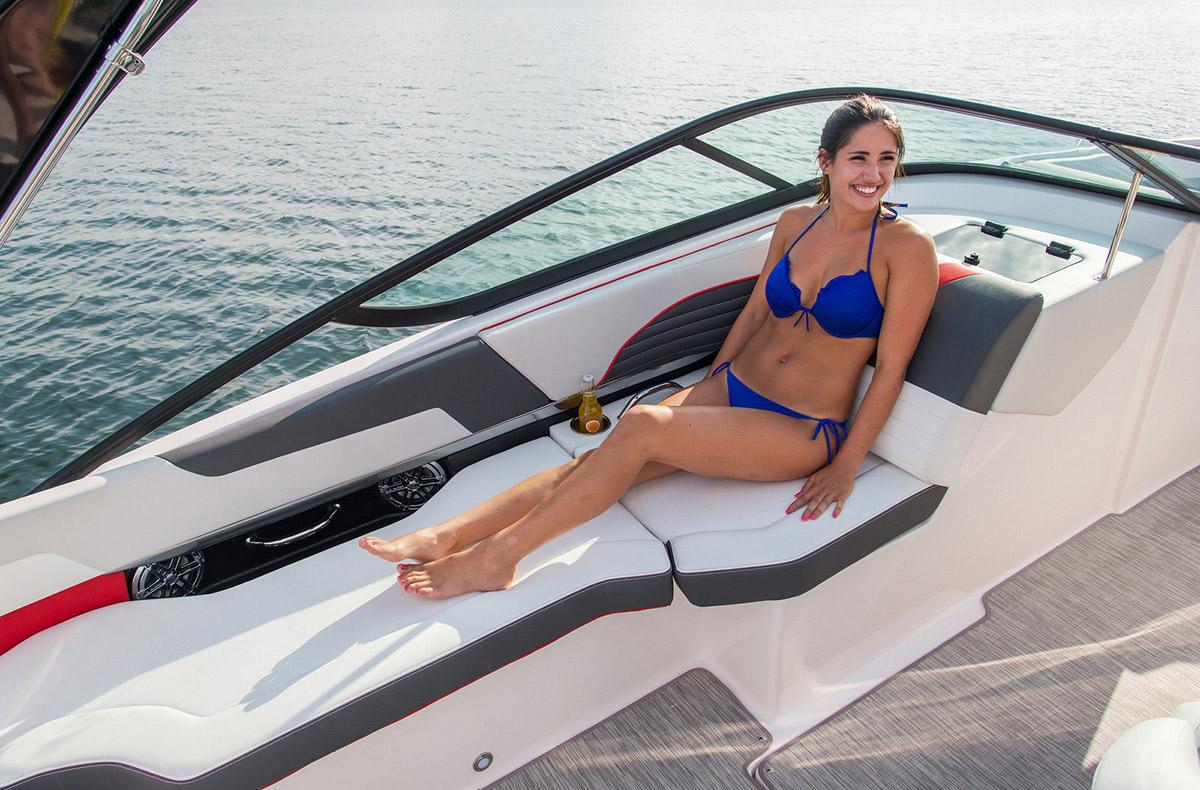 Regal 2300 RX SURF finitions et accessoires