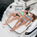 Regal 28 Express banquette arrière convertible bain de soleil