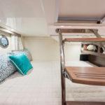 Regal 28 Express cabine