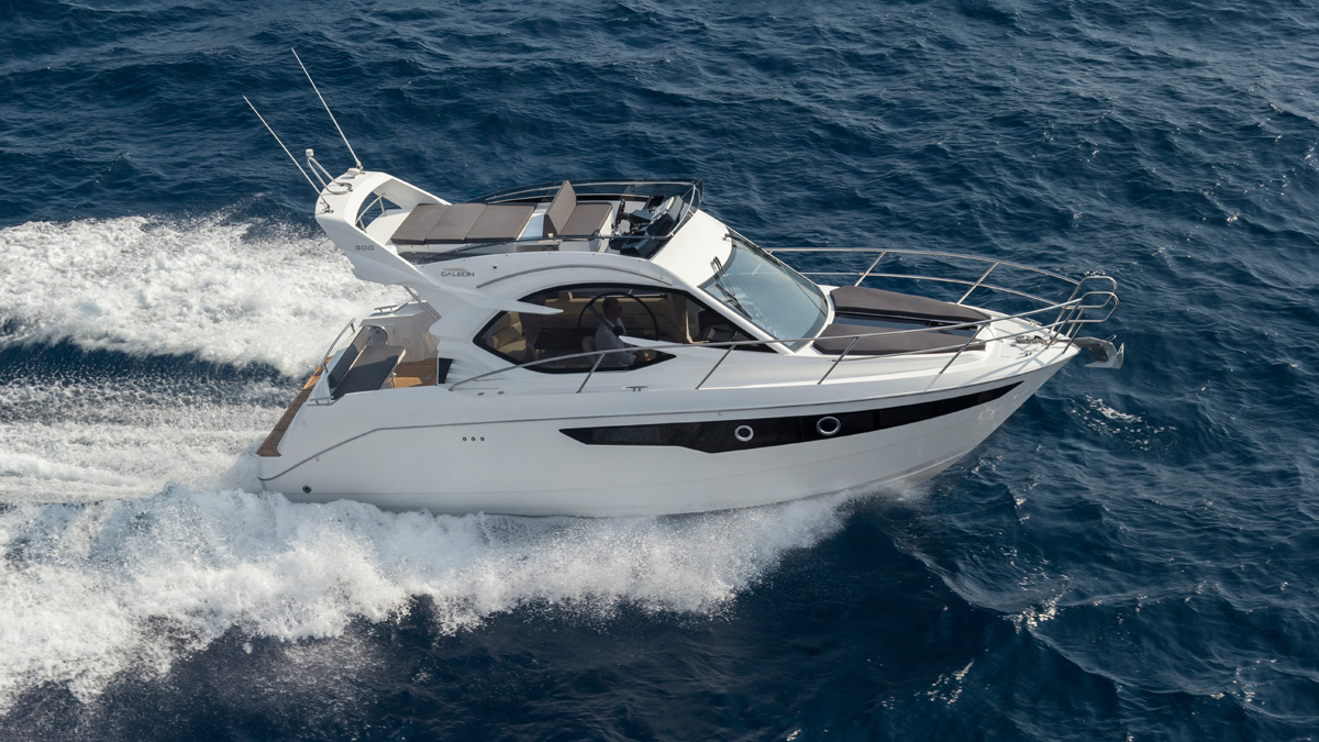 Galeon 300 FLY exterieur fly
