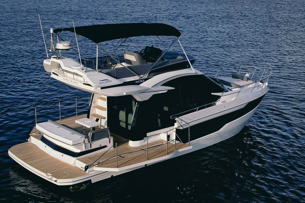 Galeon 400 FLY pavois ouvrants
