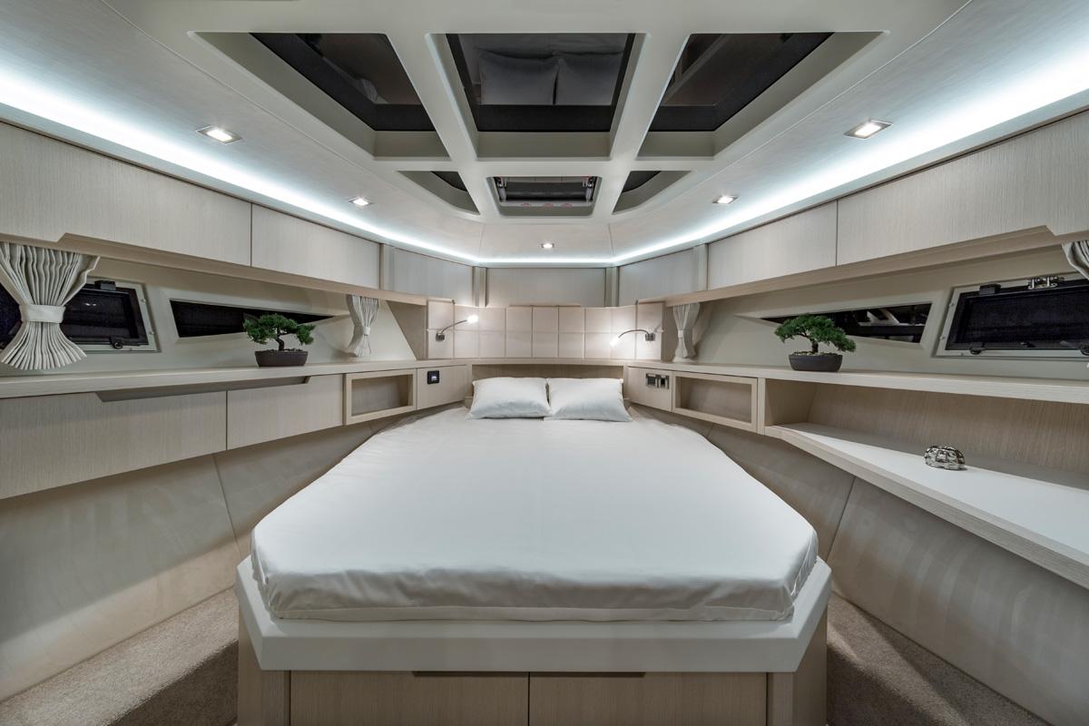 Galeon 485 HTS cabine pointe