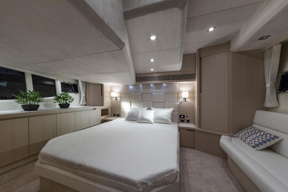 Galeon 485 HTS cabine transversale