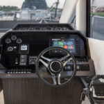 Galeon 510 SKYDECK poste pilotage cockpit