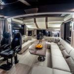 Galeon 700 SKYDECK salon cockpit