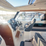 Parker 750 Cabin Cruiser poste pilotage